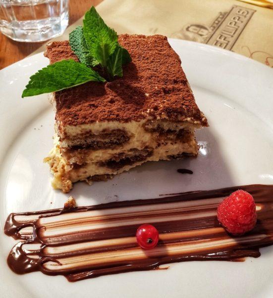 Dove mangiare a torino dolci cioccolato tiramisu pastificio defilippis