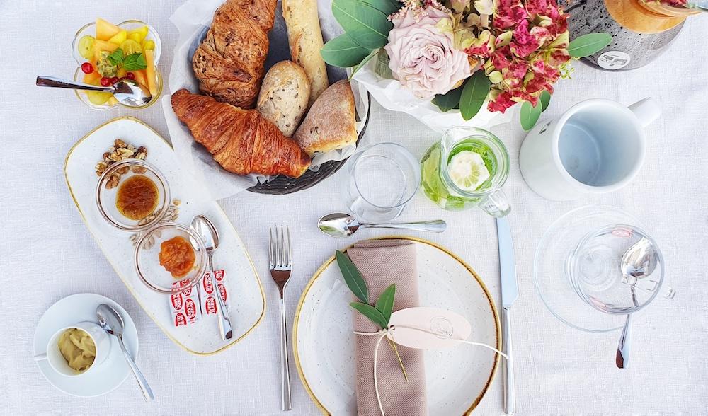 Breakfast Club Colazione Evento Different Details
