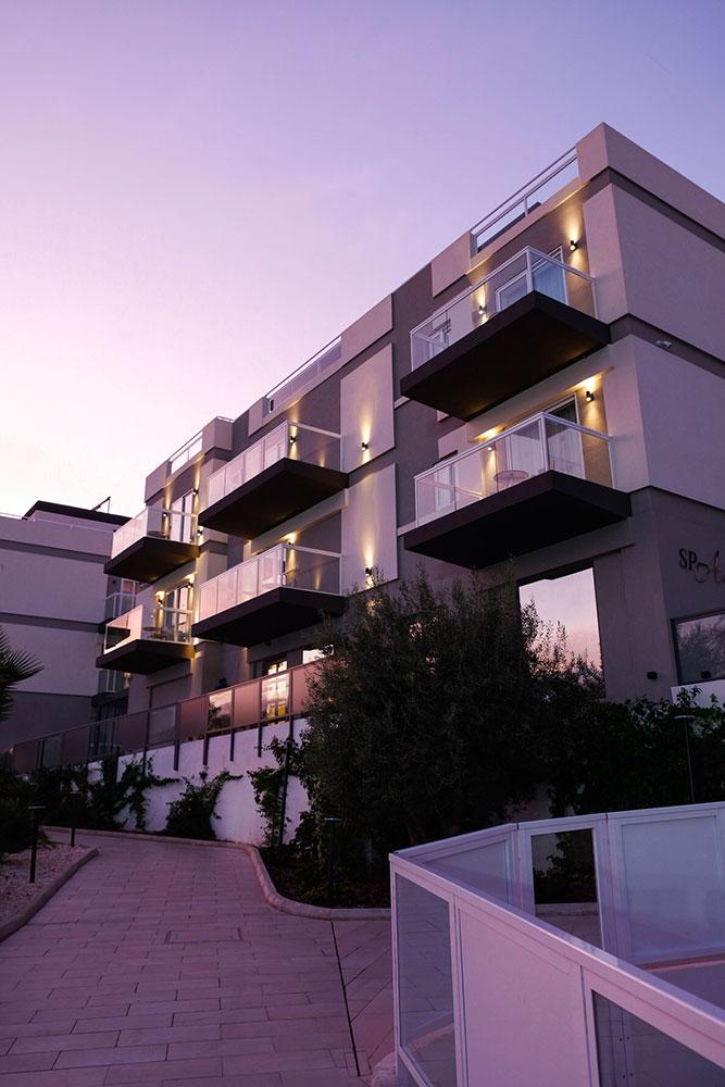 Tramonto Urban Valley Family Hotel