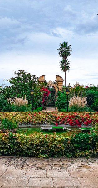 Giardini Italiani Naxxar Malta in autunno Different Details