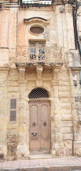 Malta in Autunno Naxxar Different Details
