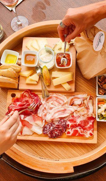 Affettati-e-formaggi-Bucolica-Aperitivo-in-collina-Roberta-Arcangeli