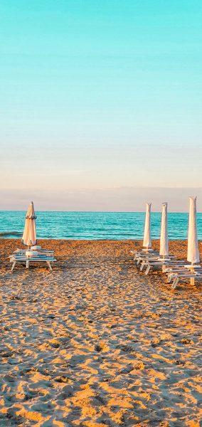Distanziamento spiaggia Riccione Different Details