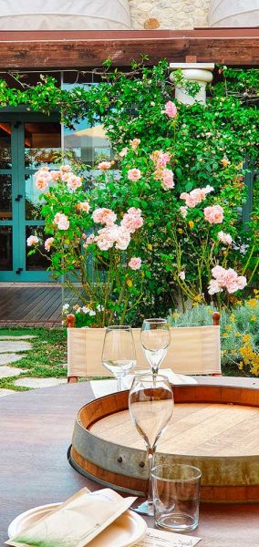 Rose tavoli sulle botti Bucolica Different Details