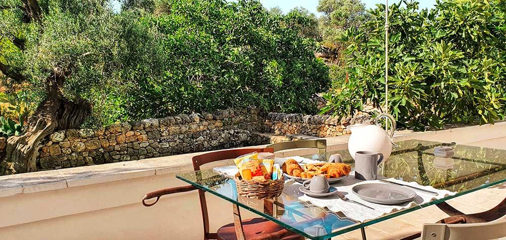 Patio Colazione Masseria Puglia Roberta Arcangeli