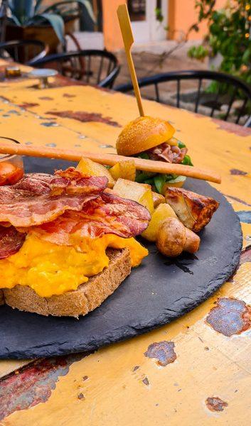 Brunch salato uova bacon Indaco Riccione