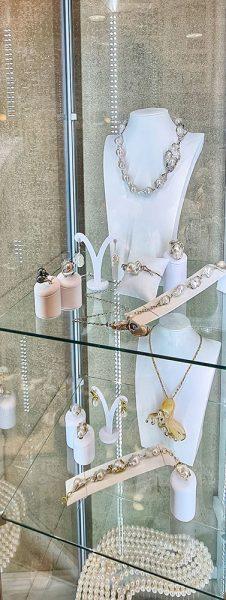 Shopping a Riccione Gioielli argento e perle di fiume Different Details